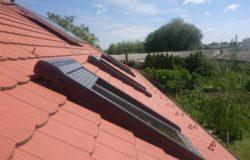 Velux tetőtéri ablak SSL napelemes redőnyökkel