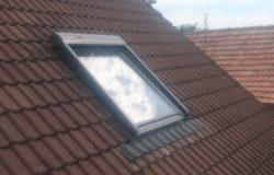SSL napelemes redőny